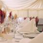 Przyjęcie weselne z piórkami