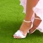 Białe buty ślubne z kwiatkiem