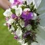 Fioletowo-biały bukiet ślubny