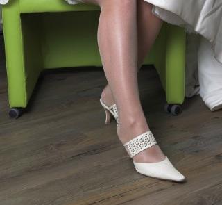Buty do ślubu z ażurowym paskiem