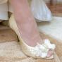 Złocone buty ślubne