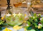 Świeczki na weselnym stole