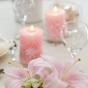 Romantyczna dekoracja z lilii i świec
