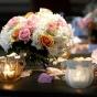 Kwiaty i świeczniki niby kielichy kwiatów
