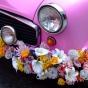 Dekoracja różowego auta retro