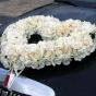 Elegancka ozdoba limuzyny ślubnej - serce z róż