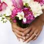 Kantadeski z różami, frezjami i daliami w bukiecie ślubnym