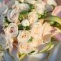 Elegancki bukiet z róż i kantadesek
