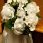 Stroiki do kościoła z białych róż