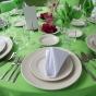 Dekoracje stółu weselnego w soczystej zieleni
