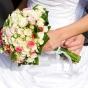 Bukiet z różowych i kremowych róż oraz eustoma