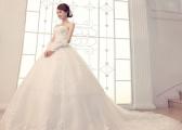 Jaką wybrać suknię ślubną na huczne wesele?