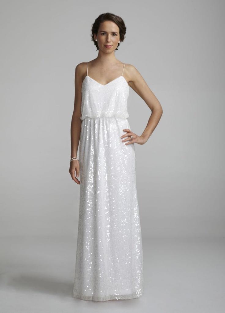 Suknia ślubna o prostym kroju