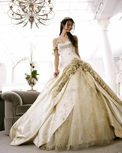 Klasyczna suknia ślubna fason księżniczka