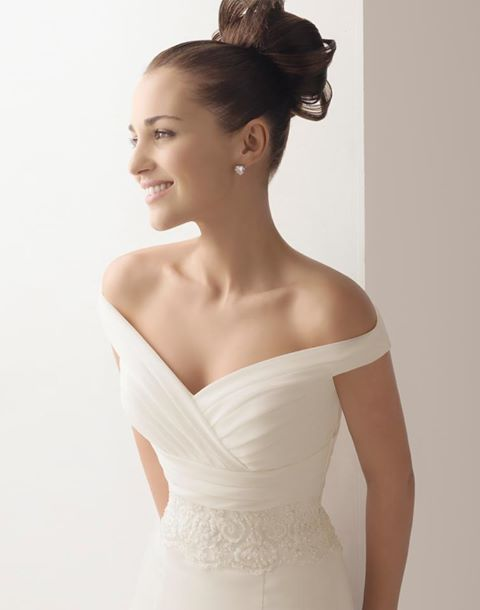 Idealna suknia ślubna dla Panny Młodej o wąskich ramionach