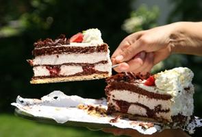 Ile powinien ważyć tort?